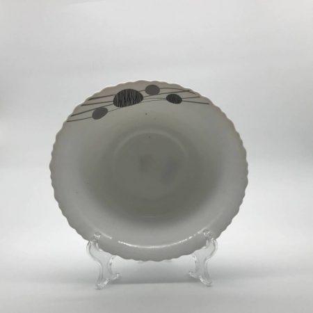 Πιάτο βαθύ με γκρί πέτρες